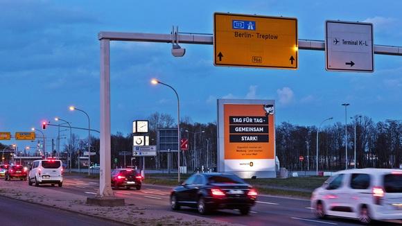 Berlin Flughafen Schönefeld - stadteinwärts